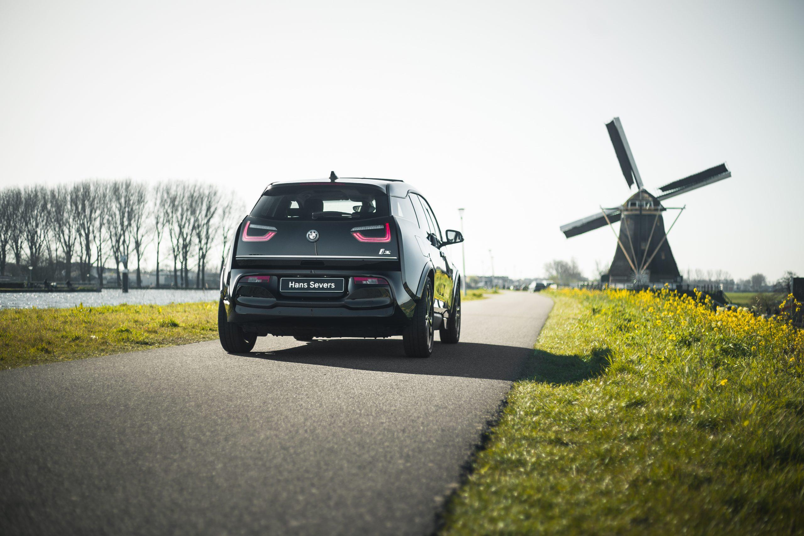 10.000 kilometer gratis laadtegoed bij een nieuwe BMW i3